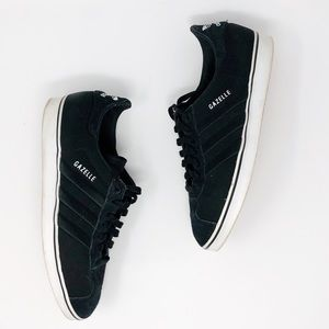 ADIDAS ORIGINALS | Black Gazelle Sneaker 10